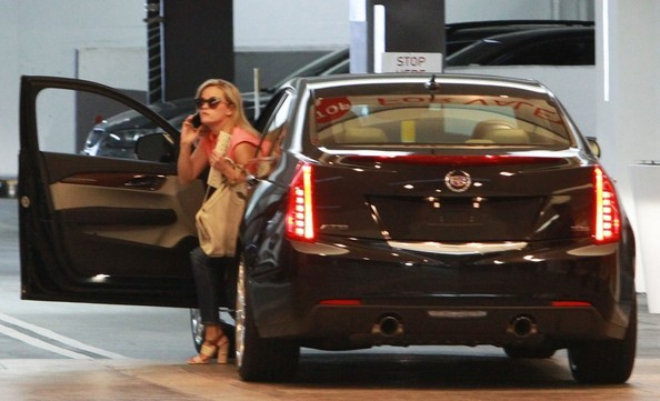 Reese-Witherspoon-Cadillac-ATS