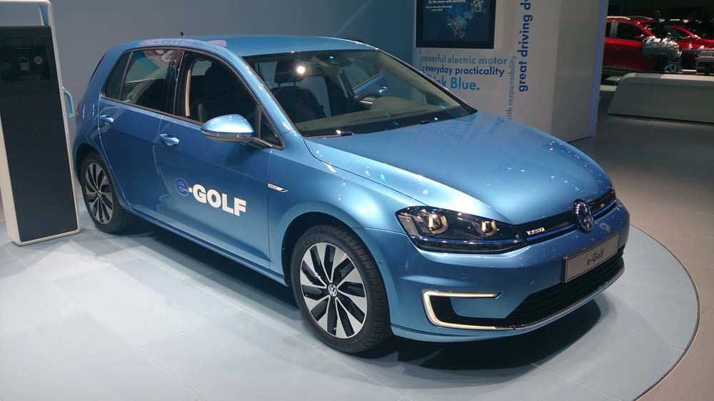 volkswagen e golf en image auto au feminin. Black Bedroom Furniture Sets. Home Design Ideas
