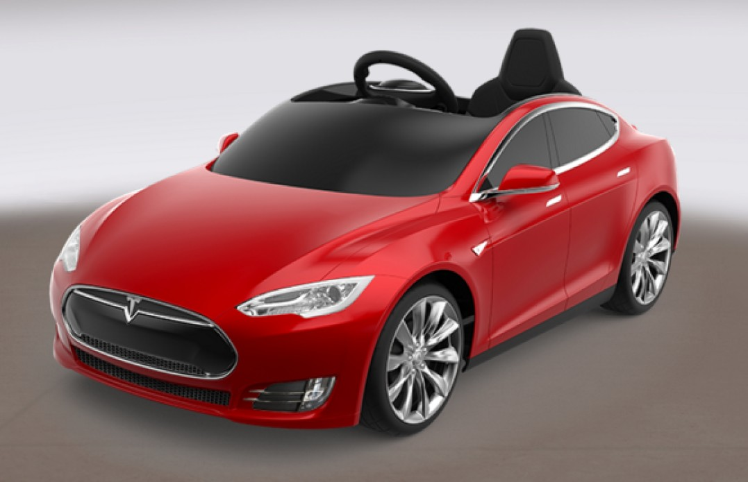 une tesla model s en version r duite auto au feminin. Black Bedroom Furniture Sets. Home Design Ideas