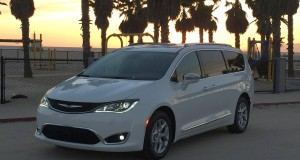 chrysler pacifica 2017 17
