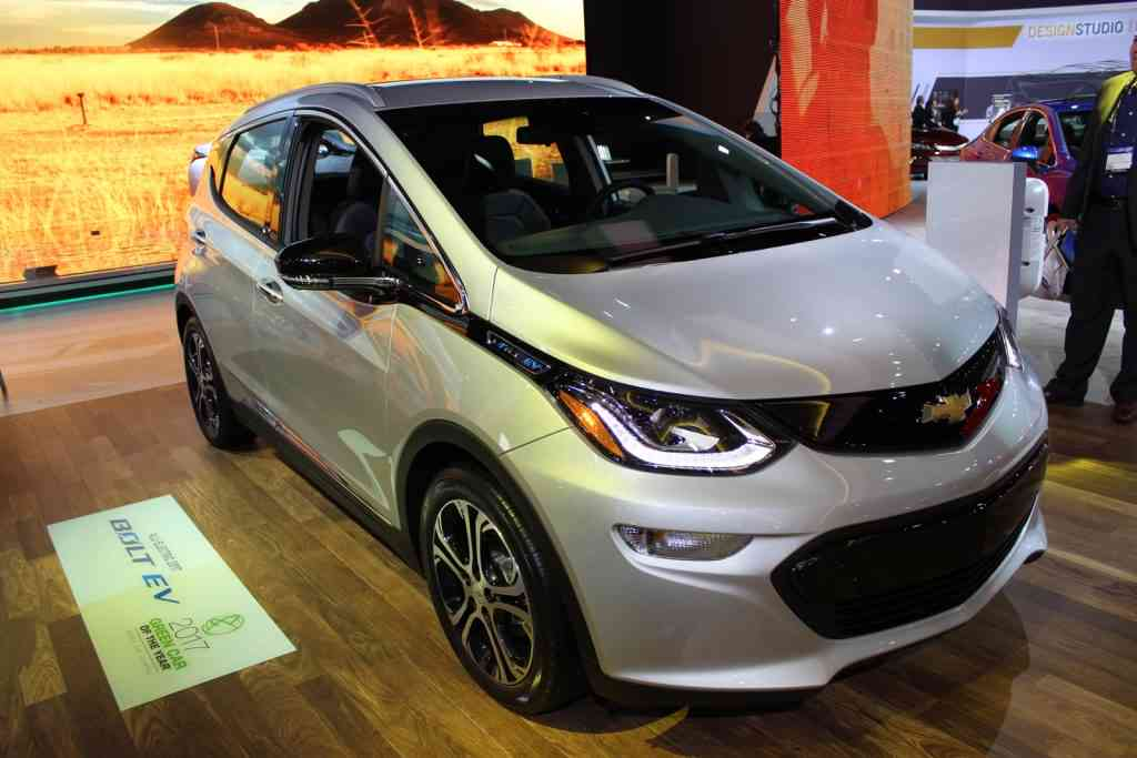 chevrolet-bolt-green-car-of-the-year-2